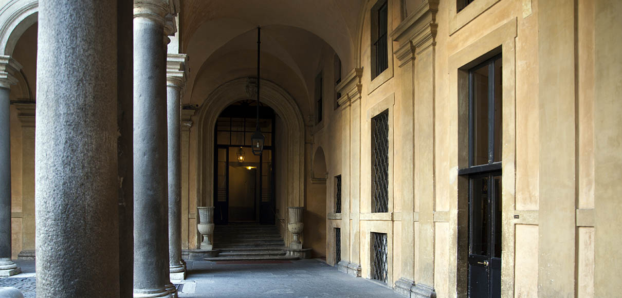 Casa a Palazzo Borghese, Roma, suite esclusiva. Exclusive suite at Borghese Palace in Rome